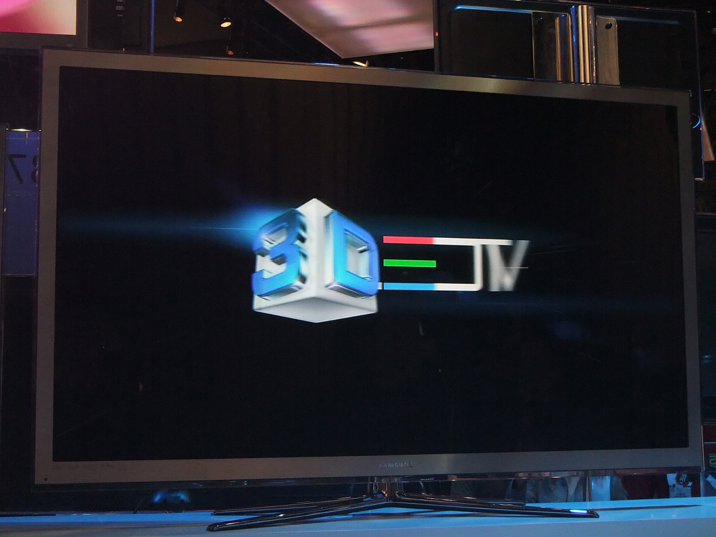 Samsung 120hz lcd tv demonstrated at ces 2010